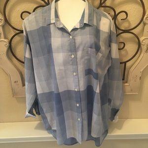 Blue Plaid Old Navy Boyfriend shirt size large